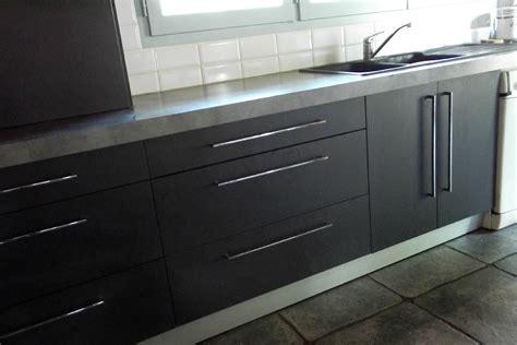 davaus cuisine gris anthracite mat et bois avec