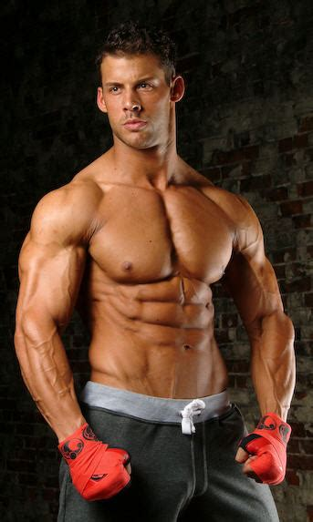 big ripped actors fitness model justin woltering talks with sixpackfactory