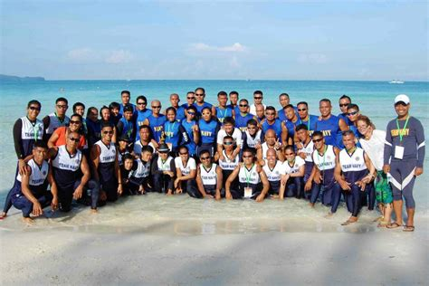 dragon boat philippines bohol s roving eye army navy faces off in bohol dragon