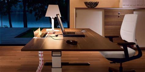 altezza scrivania ufficio scrivanie ad altezza regolabile