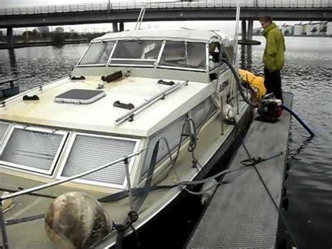 boat salvage lake norman raising a sunken boat asurekazani