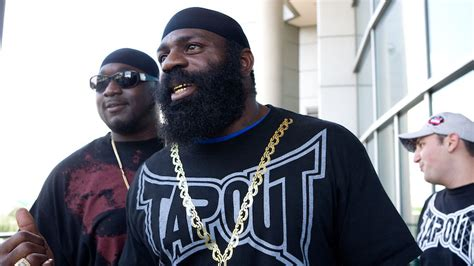 kimbo slice backyard fighting kimbo slice dead at age 42 mma fighting