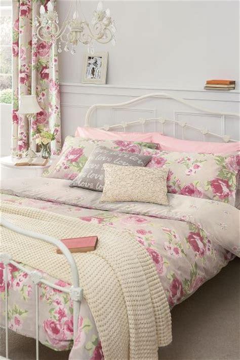 pink floral bedroom ideas aranżacje wnętrz łagodny r 243 ż w sypialni dom pl