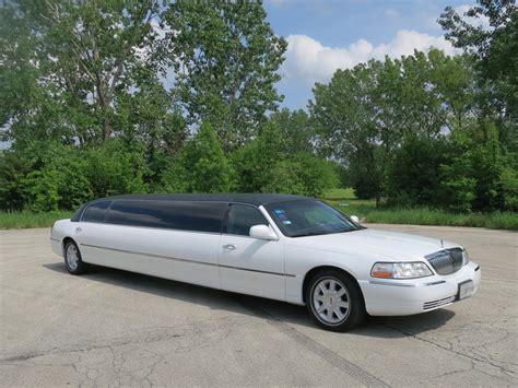 town car limousine lincoln town car stretch limousine 10 passenger