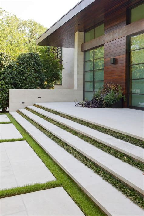 step in casa 25 best ideas about outside stairs on stairs