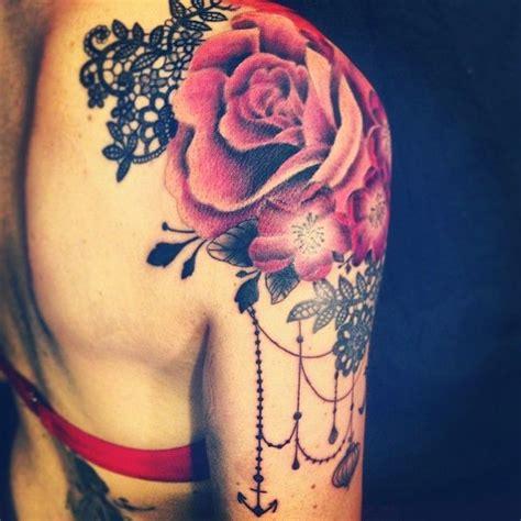 tattoo on shoulder pain 36 beautiful shoulder flower tattoos