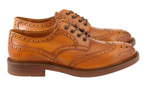 light brown wingtip shoes a guide to shoes for short men