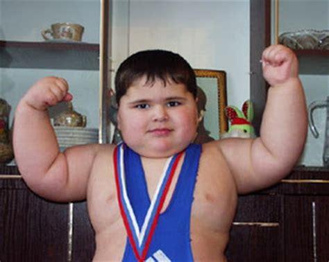 worlds strongest kid bench press world s strongest kid boy dazzle wallpaper
