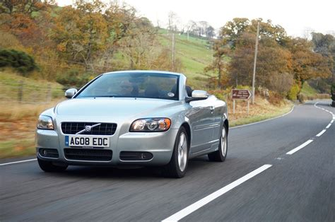 volvo c70 convertible used volvo c70 coup 233 convertible review 2006 2013 parkers
