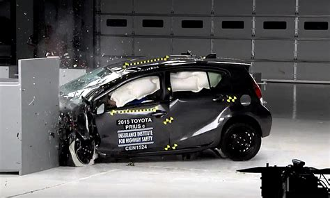 Toyota Camry Crash Test Rating 2015 Toyota Prius C Is Only Acceptably Safe Iihs Small