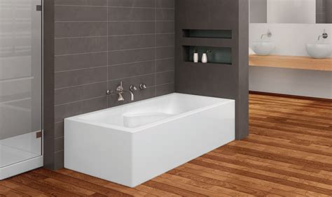 2 sided bathtub suite 6031 r 2 skirts front and right oceania