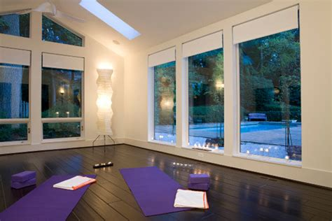 design home yoga studio 7 yoga rooms that will instantly relax you photos huffpost