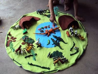 Hide A Mat Pack And Go by Ideas For Play Mat Quilts Animals Plays