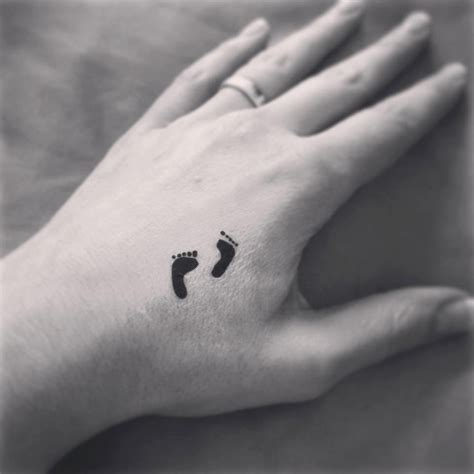kleines tattoo finger kosten tempor 228 res tattoo kleine f 252 223 e paar tattoo kunst ring