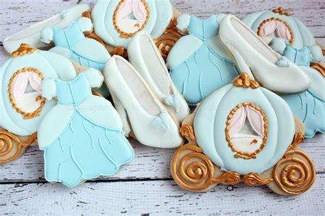cinderella slipper cookies cinderella birthday cookies cinderella wedding cinderella