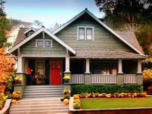 bungalow house style 17 best ideas about craftsman style bungalow on