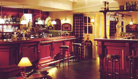 arredamento pub arredamento pub birreria sedie e tavoli pub ristoranti