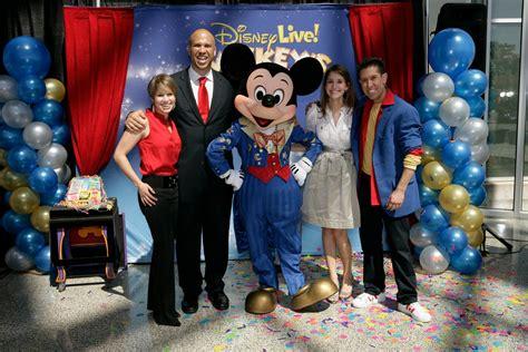disney  presents mickeys magic show illusionist brad