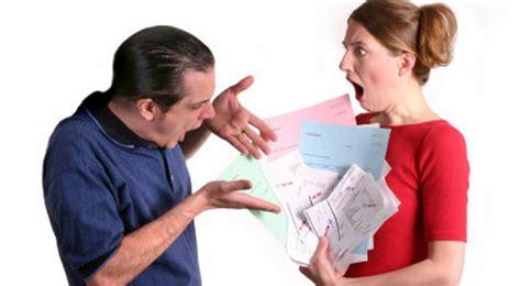 Apa Yang Perlu Di Ketahui Suami Istri ketika suami terbelit utang haruskah istri membantu miulan store