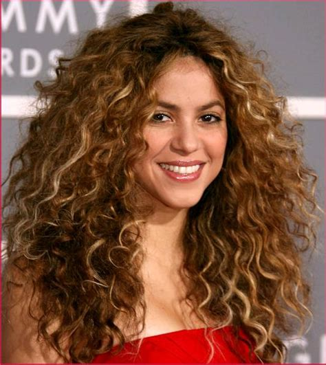 what products does shakira use on her hair 10 celebrity curly hairstyles the products you need to
