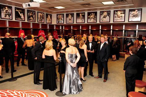 ronald mcdonald house detroit ronald mcdonald house gala at joe louis arena news photo gallery detnews com