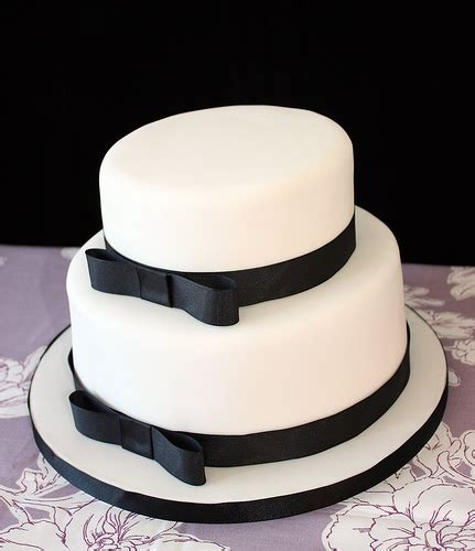 Wedding Cake Black And White Simple simple yet black and white cake the merry
