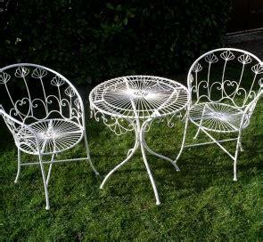 meuble jardin metal salon de jardin metal laqu 233 blanc d 233 montable 2 fauteuil et une table