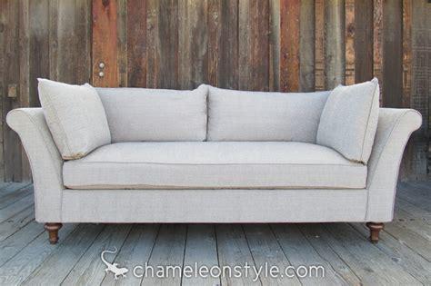 the chameleon couch chameleon sofa 28 images boutique sofa chameleon pause