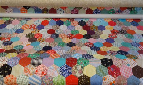 Hexagon Patchwork - scrappy hexagon quilt the happy quilter s