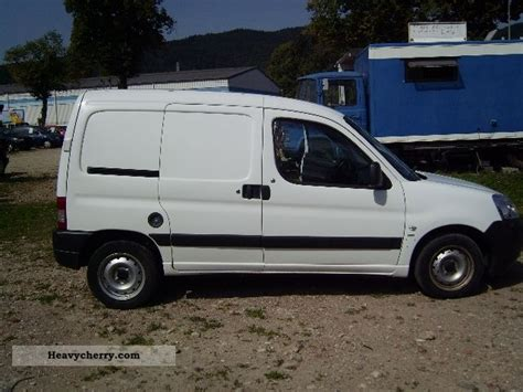 peugeot partner 2007 box van or truck up to 7 5t commercial vehicles with