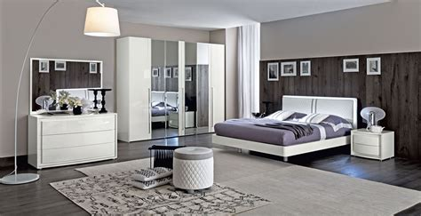 Dama Bianca Bedroom Set Buy Online At Best Price Sohomod Bedroom Dressers Sets