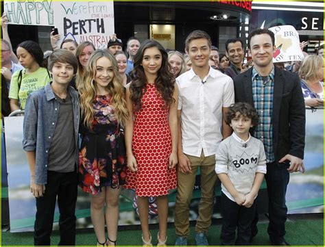 cast of girl meets world takes over times square good rowan blanchard girl meets world cast take over gma