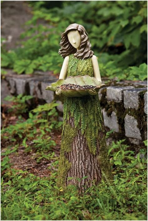 what to do with plant stump as christmas decoration outdoors 10 absolutely wonderful tree stump landscaping and decor ideas