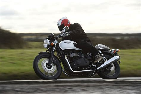 First ride: Triumph Thruxton Ace   MCN