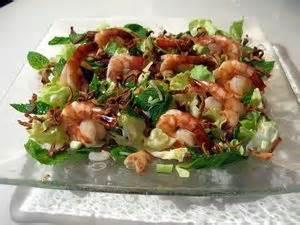 comment cuisiner calamar frais salade de crevettes noix de cajou et calamar croustillant