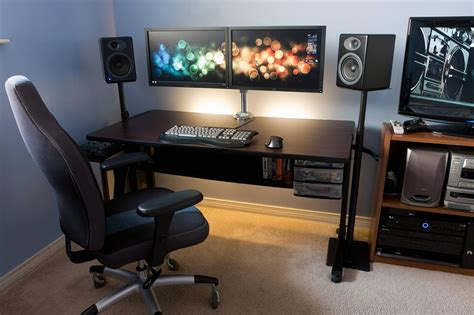 Clean Dual Monitor Desk Monitor Stand Monitor And Desks Office Desk Setup