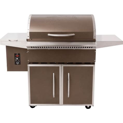 traeger eastwood wood pellet grill in black tfb42dvb the