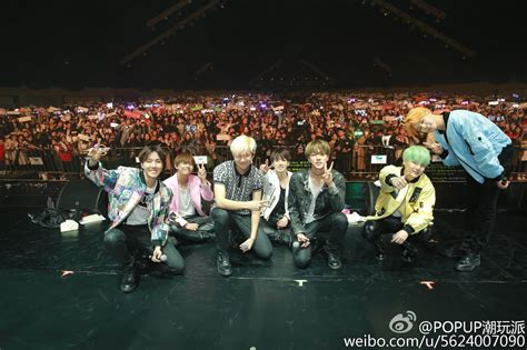 bts fan meeting 2017 picture weibo popup潮玩派 posted a picture of bts fan