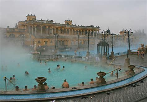 budapest testo il bagno di sz 233 chenyi uno dei pi 249 grandi centri termali d