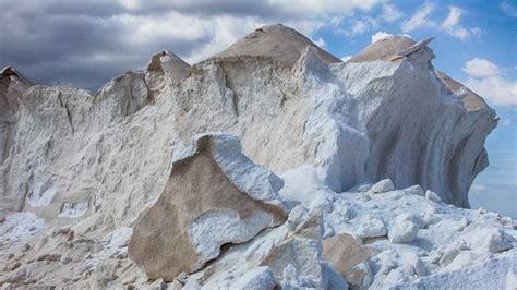 propiedades de la piedra de sal piedra de alumbre usos y propiedades del desodorante natural