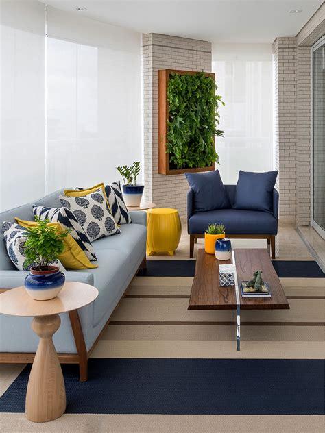 decorar sala sofa verde claro aconchegante e atemporal apartamento acolhedor sof 225 s