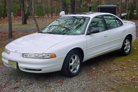 96 Oldsmobile Lss by 1998 Oldsmobile Lss Information And Photos Momentcar