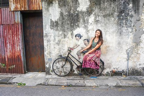walking   street art  penang