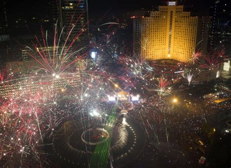 new year in indonesia 2014 jakarta indonesia happy new year how the world