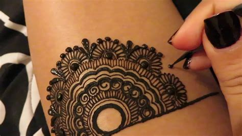 find henna tattoo artist out before heading to salons for henna telenews