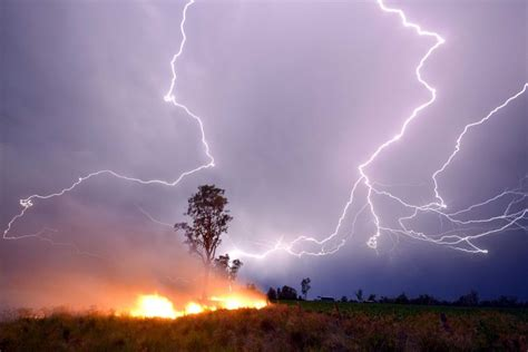 can lights cause fires lightning show as grass burns abc news australian