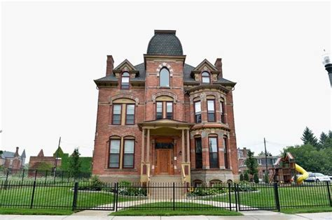 buy a house in detroit what it s actually like to buy a 500 house in detroit