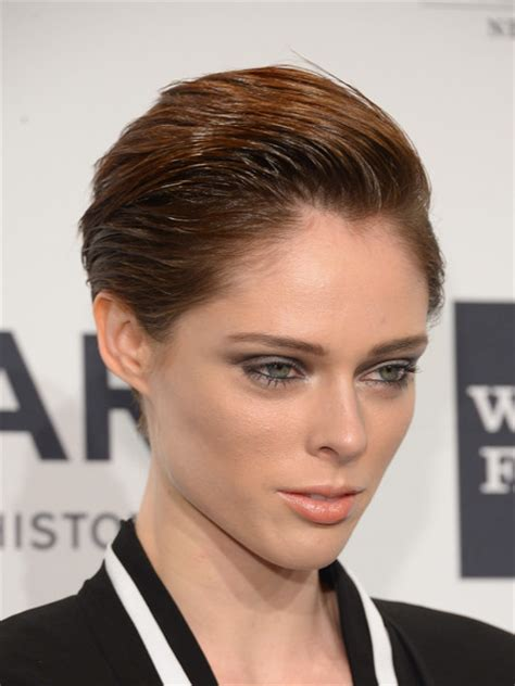 womans 1 inch haircut stylenoted how to recreate coco rocha s dramatic wet look