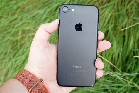 apple offers refurbished iphone  iphone