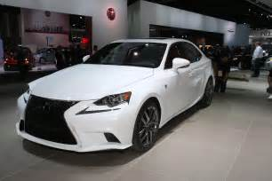 2014 lexus is launched at detroit motor show